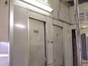 便所と業務用室