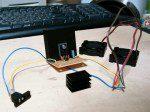 3端子レギュレータ回路とファン2基
