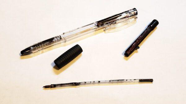 インク漏れボールペン